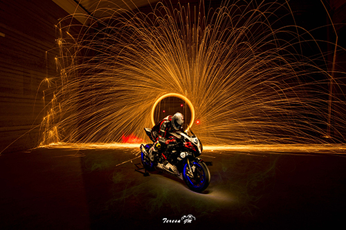 taller_lightpainting_moto_oct_2015